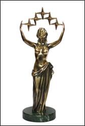 фото Международная премия «Грация» вручена лучшему хирургу