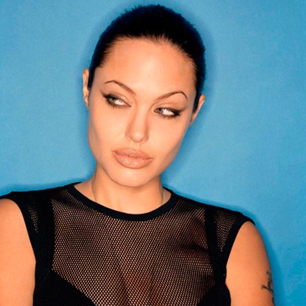 брови Анджелины Джоли после операции